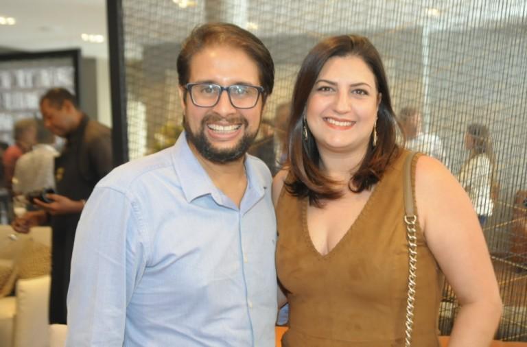 Adriano Guedes e Graziela Costantino