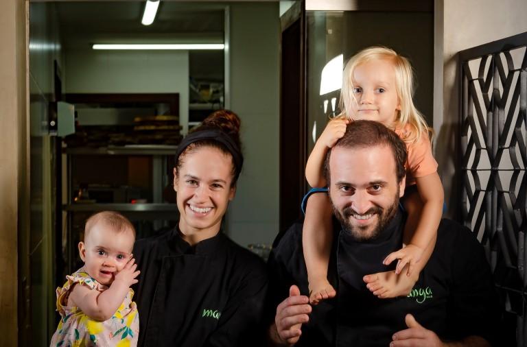 chefs-katrin-e-dante-bassi-e-com-seus-filhos-foto-eduardo-freire-b.jpg
